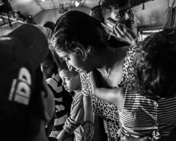 Train journey Ella to Kandy, Sri Lanka by David Gleave